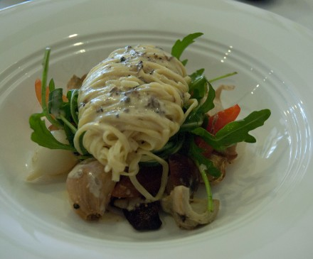 Black truffle linguini